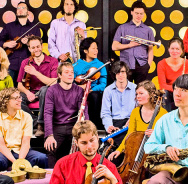 Mit Bands aus Malawi: Andromeda Mega Express Orchestra
