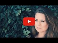 Videopremiere - Júlia Karosi