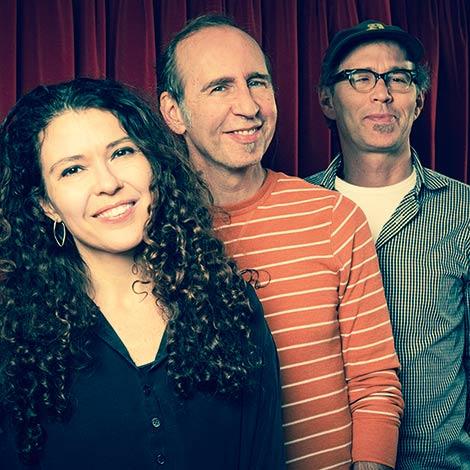 Sylvie Courvoisier Trio (Foto: Caroline Mardok)
