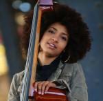 Bassistin Esperanza Spalding