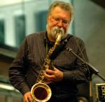 Kuratiert eine Konzertreihe im Bimhuis: Evan Parker