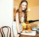 Rebekka Bakken beim Wein