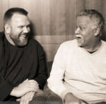 Tom Glagow & Joe Sample, lachend